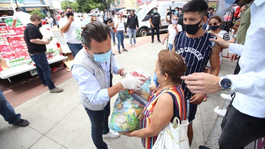 Ayuntamiento de Zapopan reparte despensas a ciudadanos