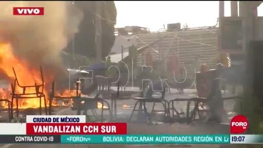 FOTO: 23 de mayo 2020, manifestantes vandalizan cch sur en la cdmx