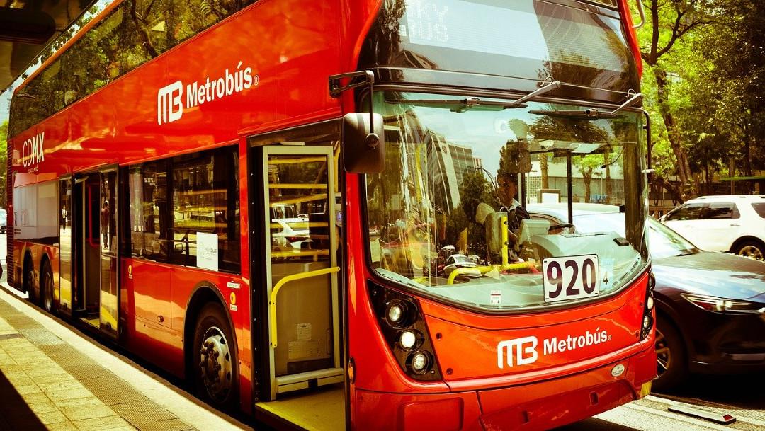 Metrobus-sana-distancia-nueva-normalidad-nuevas-normas