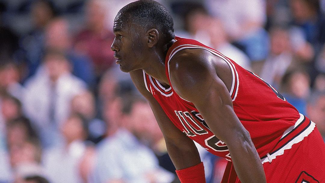 Michael Jordan gana más dinero con tenis que con el basquet