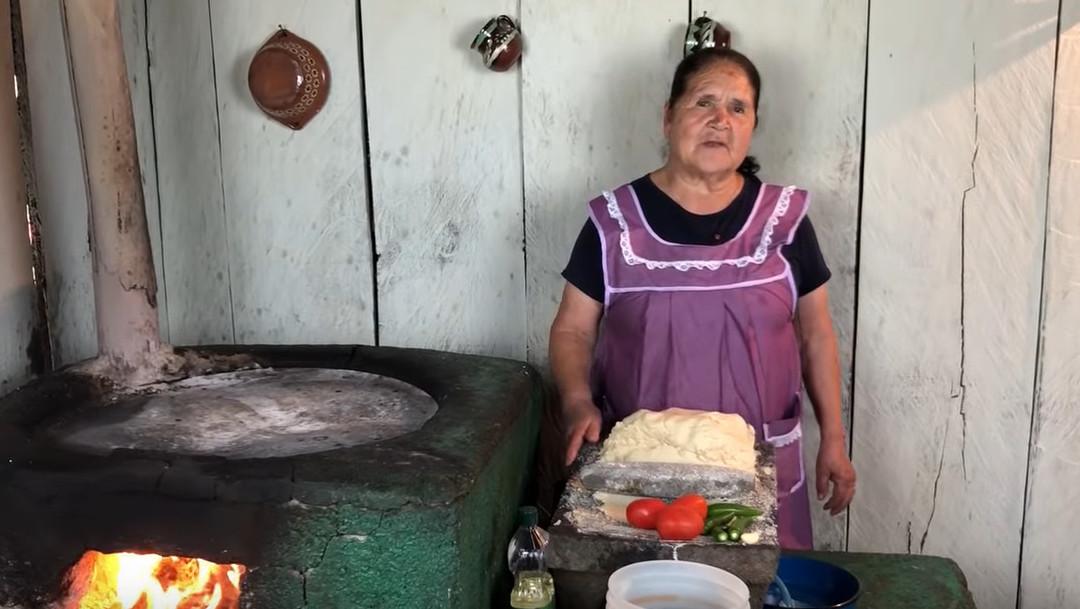 Dona-angela-mujeres-mas-poderosas-YouTube-Forbes-Mexico
