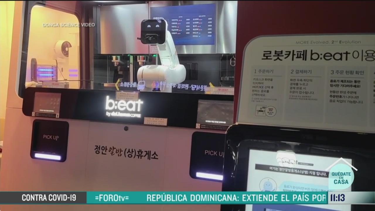 Robots, mejor manera de seguir operando en cafeterías de Corea del Sur