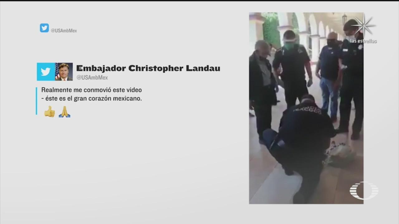 embajador landau comparte video de policias de texcoco comprando mercancia a abuelito
