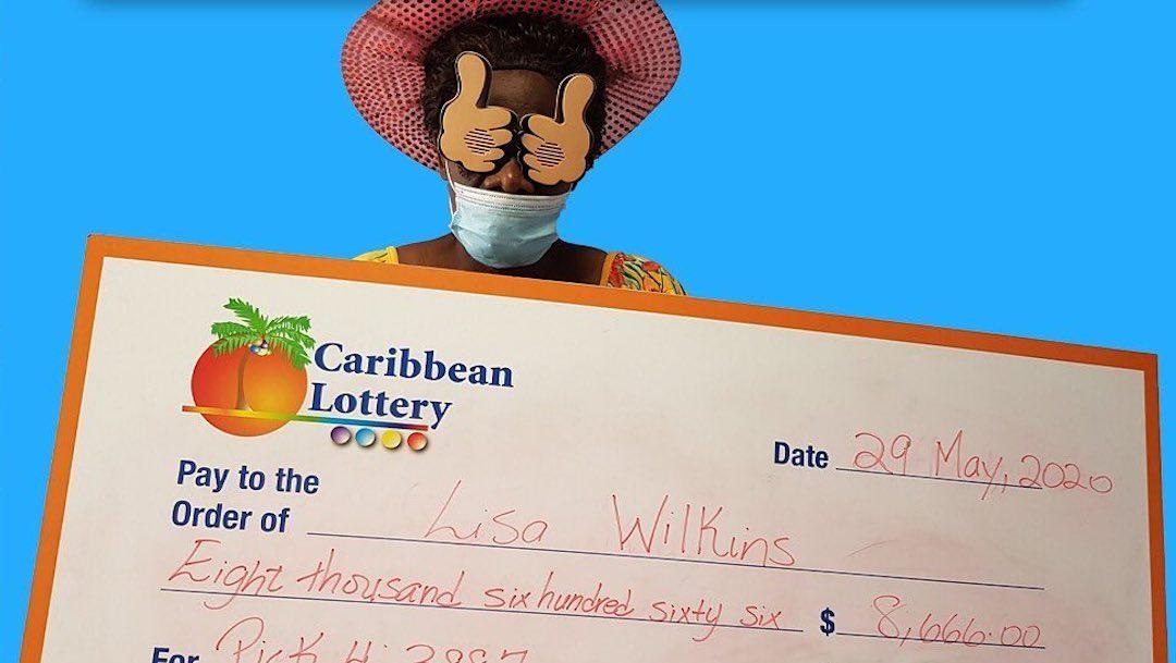 Mujer gana dos veces la lotería; usó los números de los cumpleaños de sus hijos