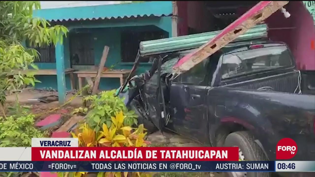 FOTO: 7 de junio 2020, habitantes destrozan alcaldia por muerte de joven en tatahuicapan veracruz