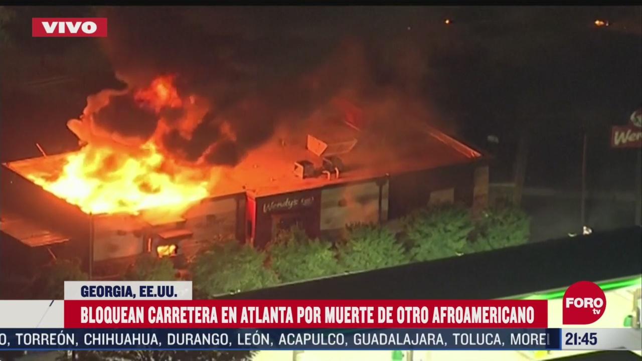 FOTO: 13 de junio 2020, incendian restaurante de comida rapida tras muerte de afroamericano en atlanta
