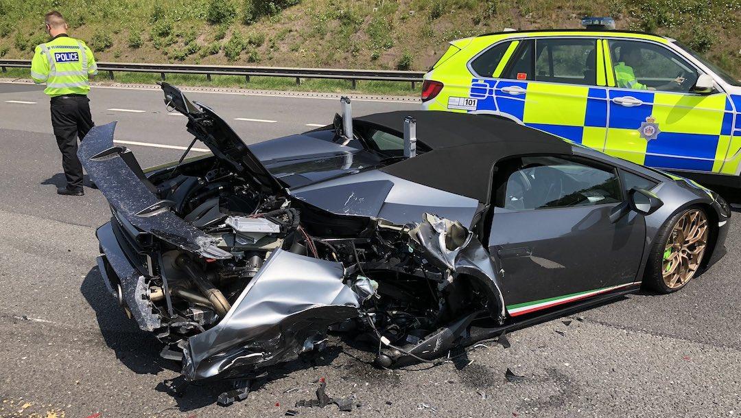 Lamborghini chocado 20 minutos después de haber sido comprado.