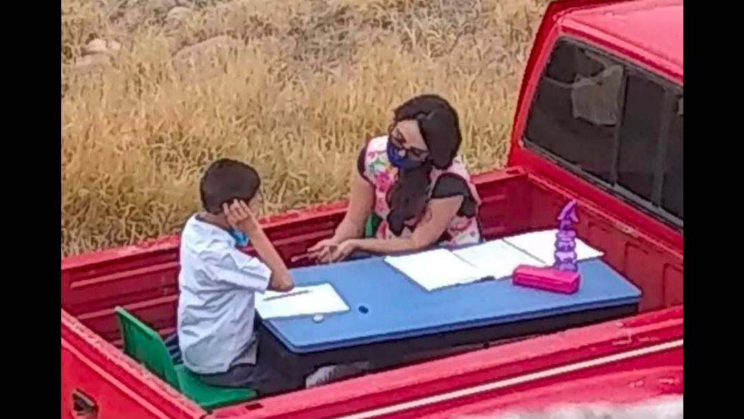 Maestra construye aula móvil para dar clase, casa por casa, a sus alumnos