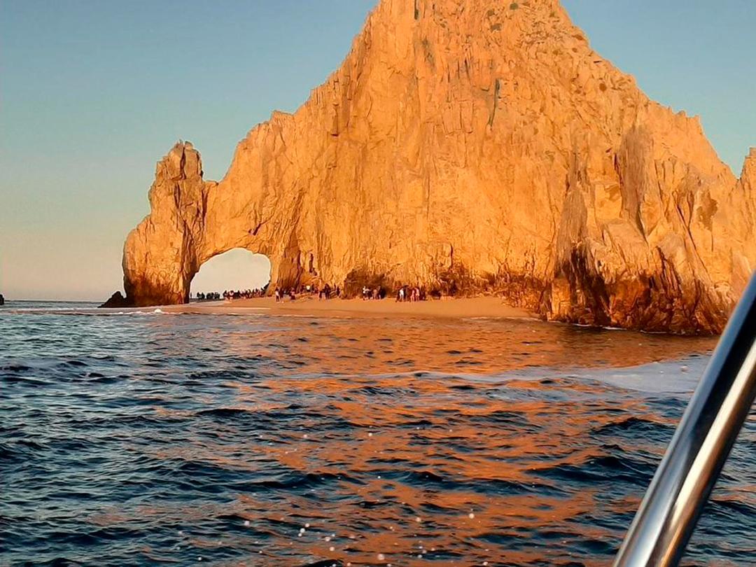 Personas Visitan Playa de Arco de Cabo San Lucas Baja California Sur