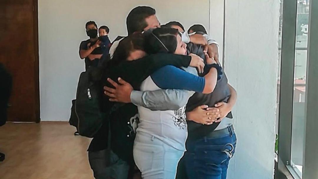 Joven adan tolentino se reencuentra con su familia tras 30 años extraviado