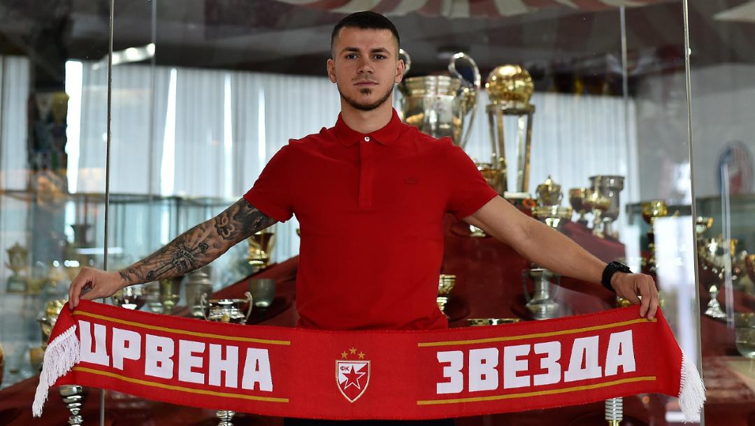El jugador Srdjan Spiridonovic es uno de los futbolistas contagiados del equipo Estrella Roja