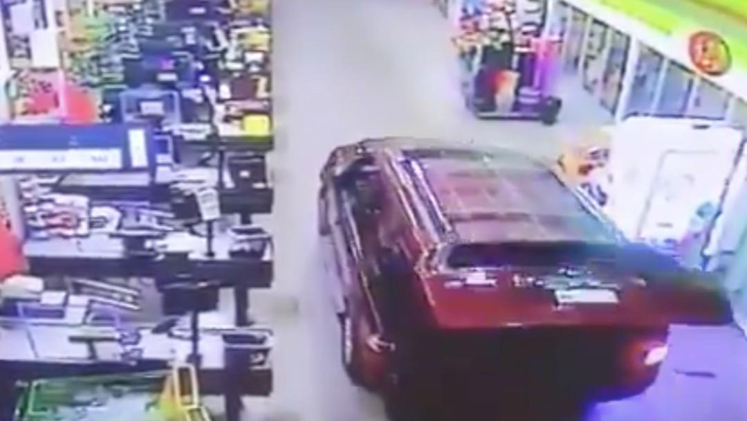 Frustran robo a supermercado de Acolman, Edomex