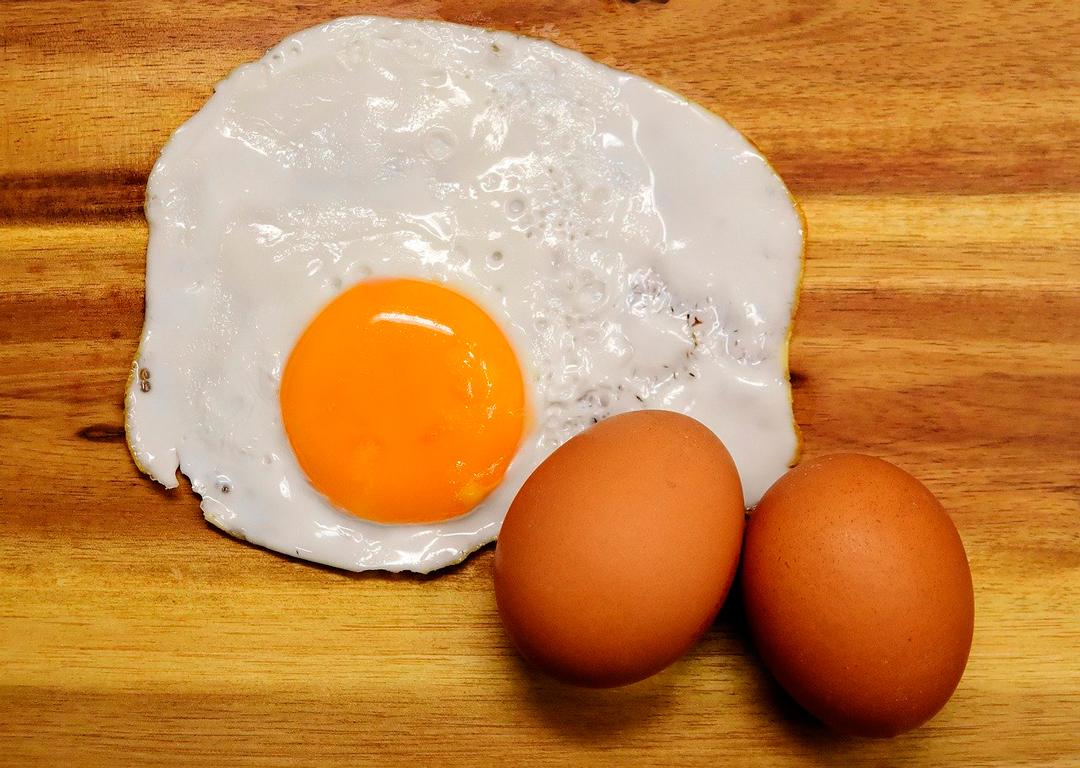 Cómo saber si un huevo es fresco con prueba de agua
