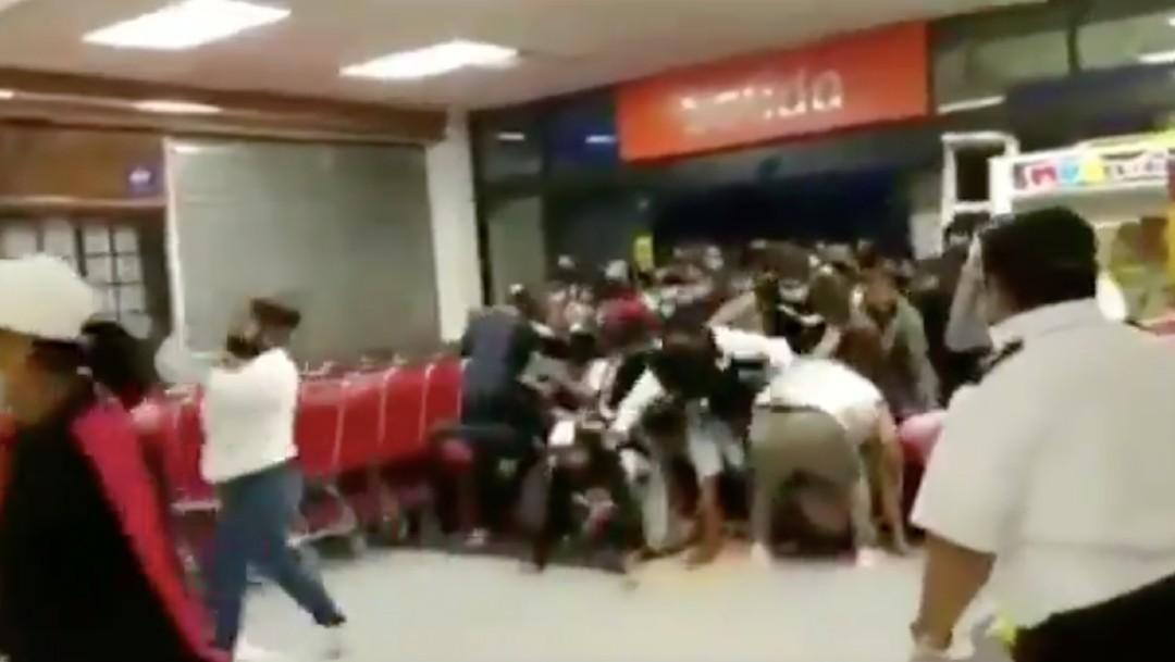 Ofertas en supermercado de Chilpancingo provocan estampida de personas