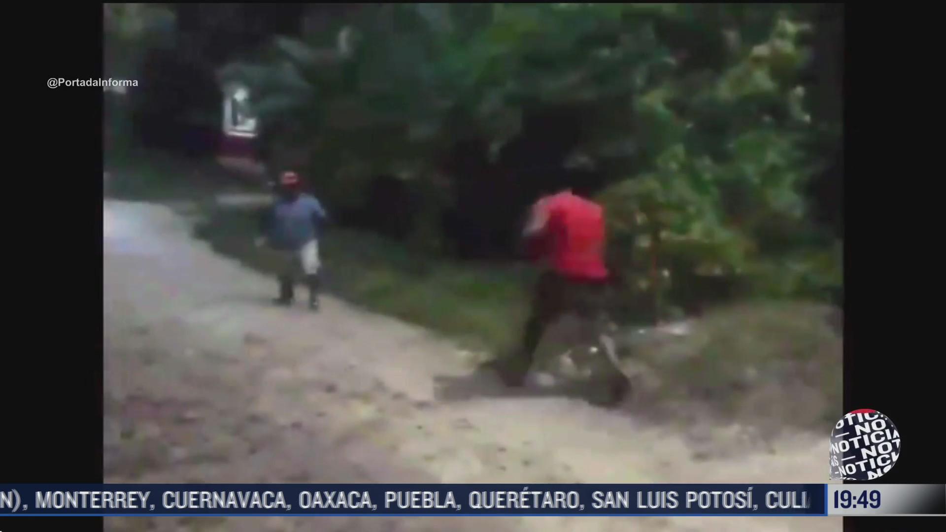 pobladores en comunidad de chiapas se enfrenta a tablazos y pedradas