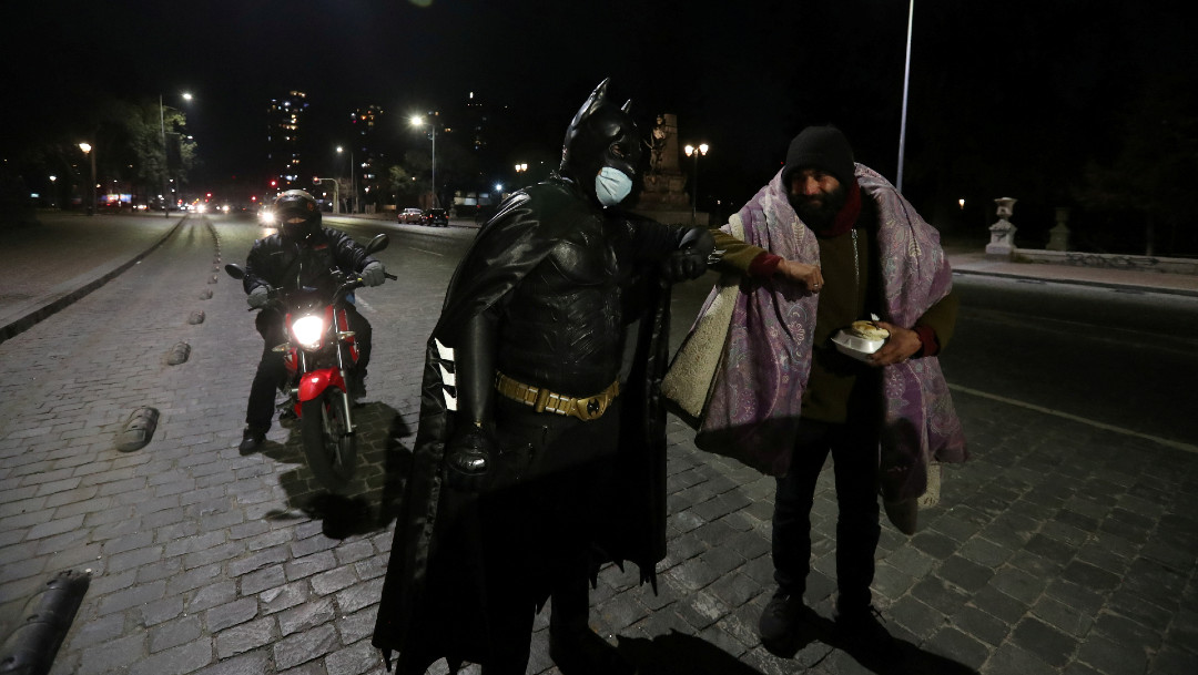 Batman, Santiago, Chile, ayuda caritativa