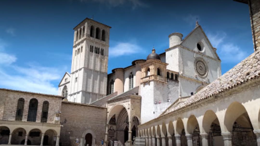 Los primeros casos fueron detectados en los novicios que llegaron hace unos días al convento procedentes de varios países