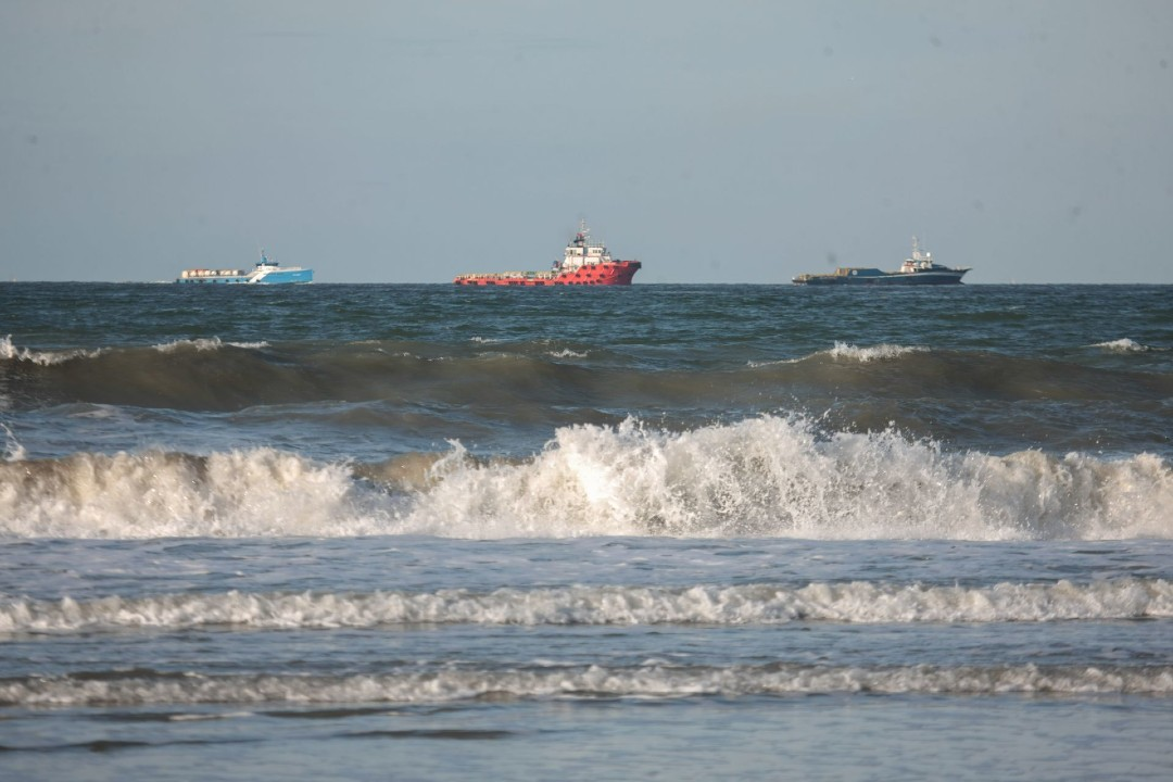 Científicos-convierten-agua-de-mar-en-potable-con-luz-solar