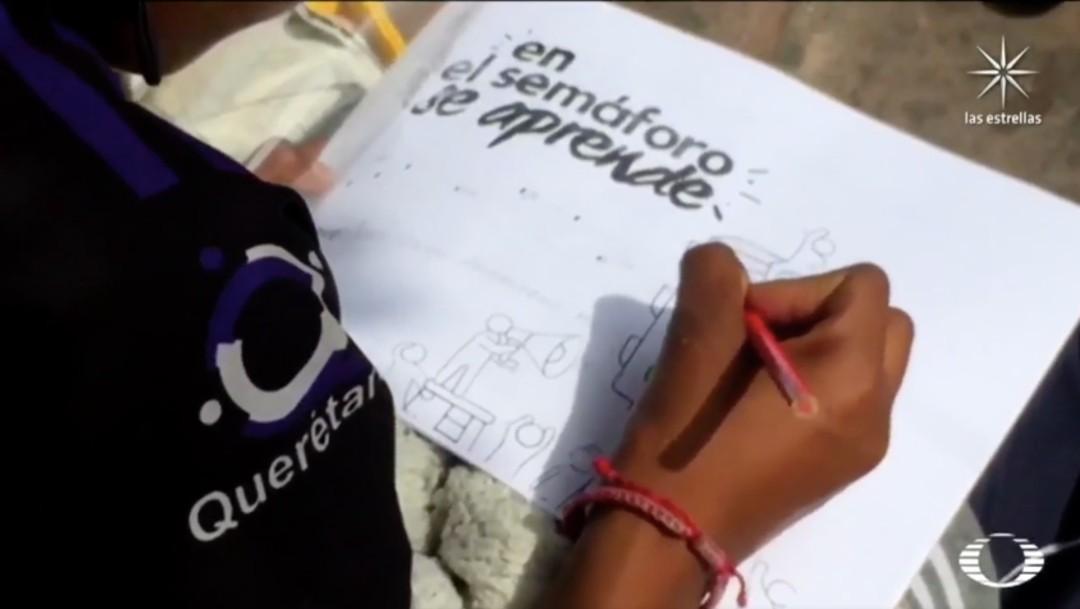 'En el semáforo se aprende', iniciativa de maestra en Querétaro para enseñar a niños en situación de calle