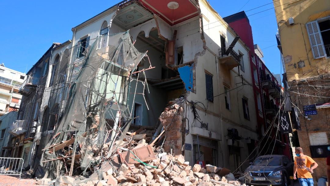 Escombros en viviendas tras explosión en Beirut