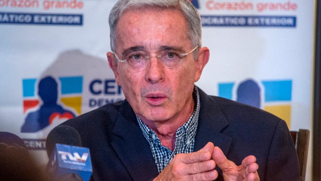 Expresidente Álvaro Uribe renuncia Senado de Colombia