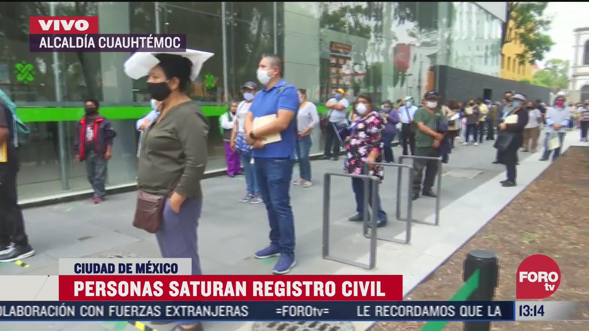 largas filas en registro civil de la ciudad de mexico