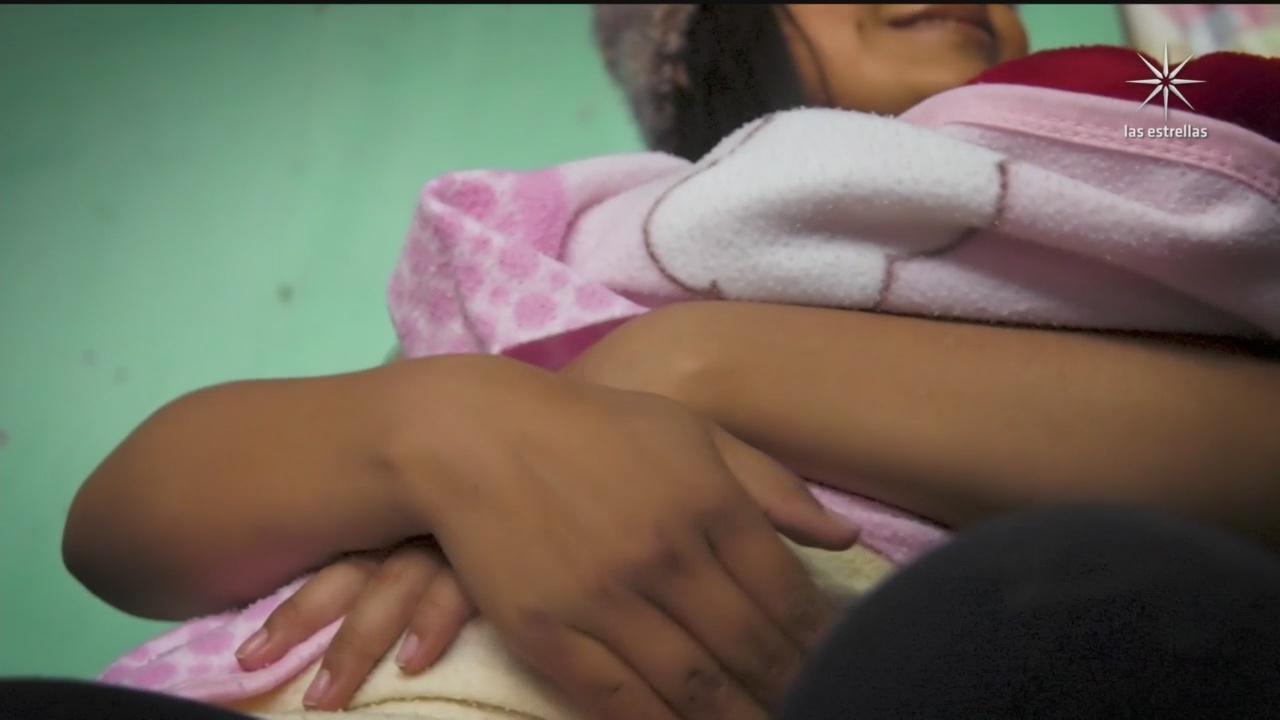 mujer da a luz en calle de tecamac tras negarle atencion medica en varios hospitales