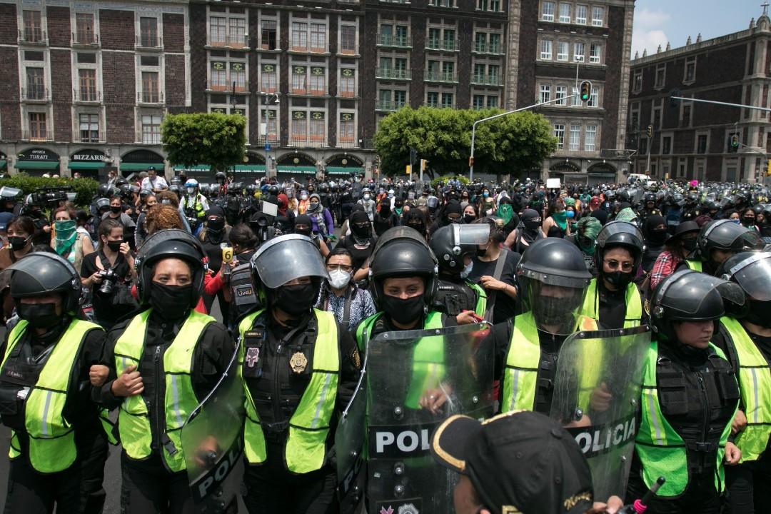 Policías-de-CDMX-protestas-feministas