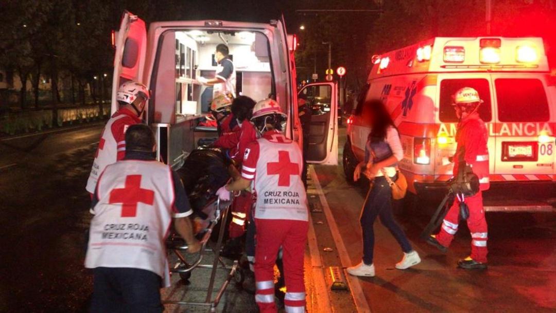 Una mujer fue atendida por paramédicos tras caer de un quinto piso del edificio Coahuila, en Tlatelolco