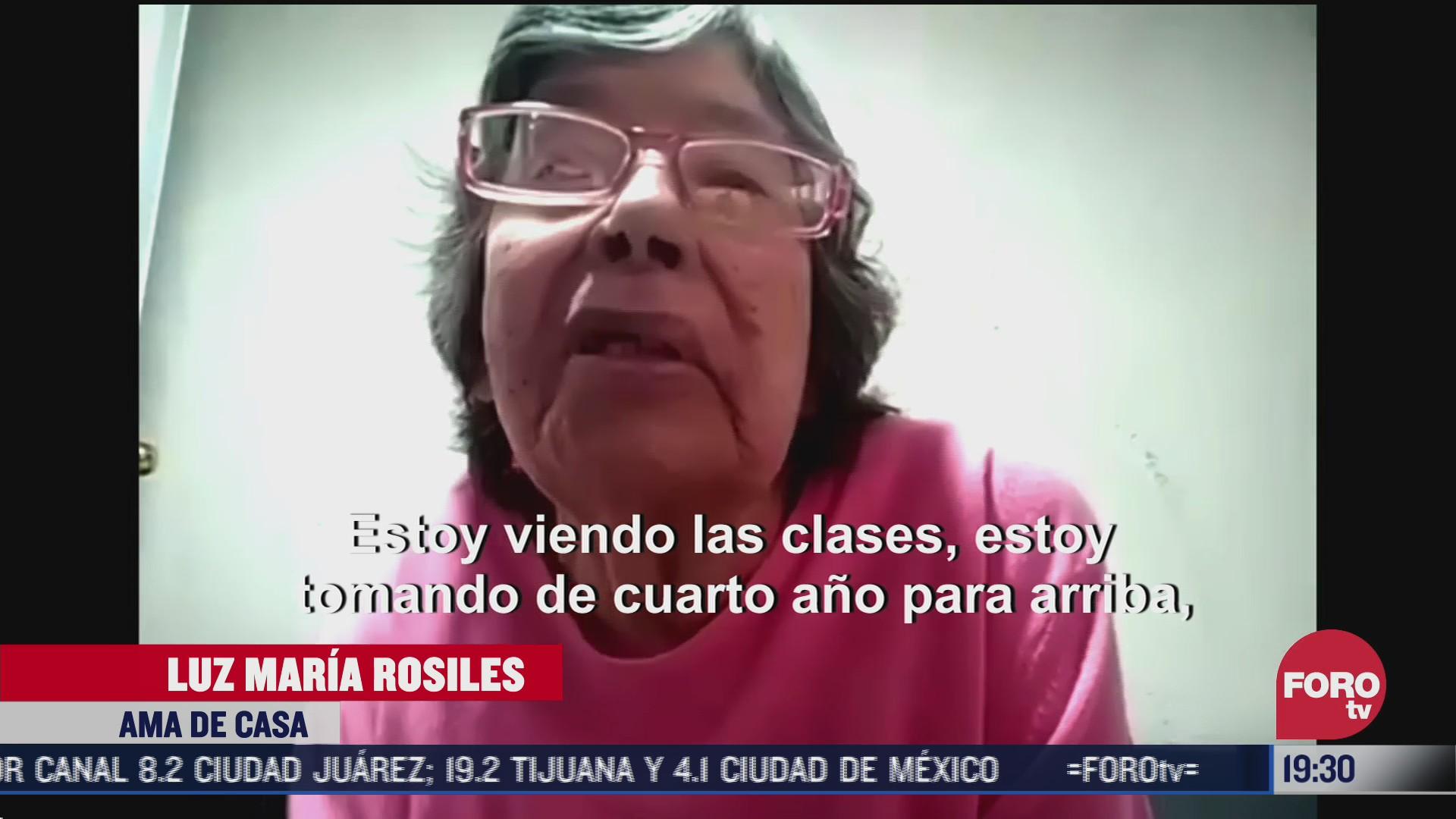 abuelitas toman clases a distancia
