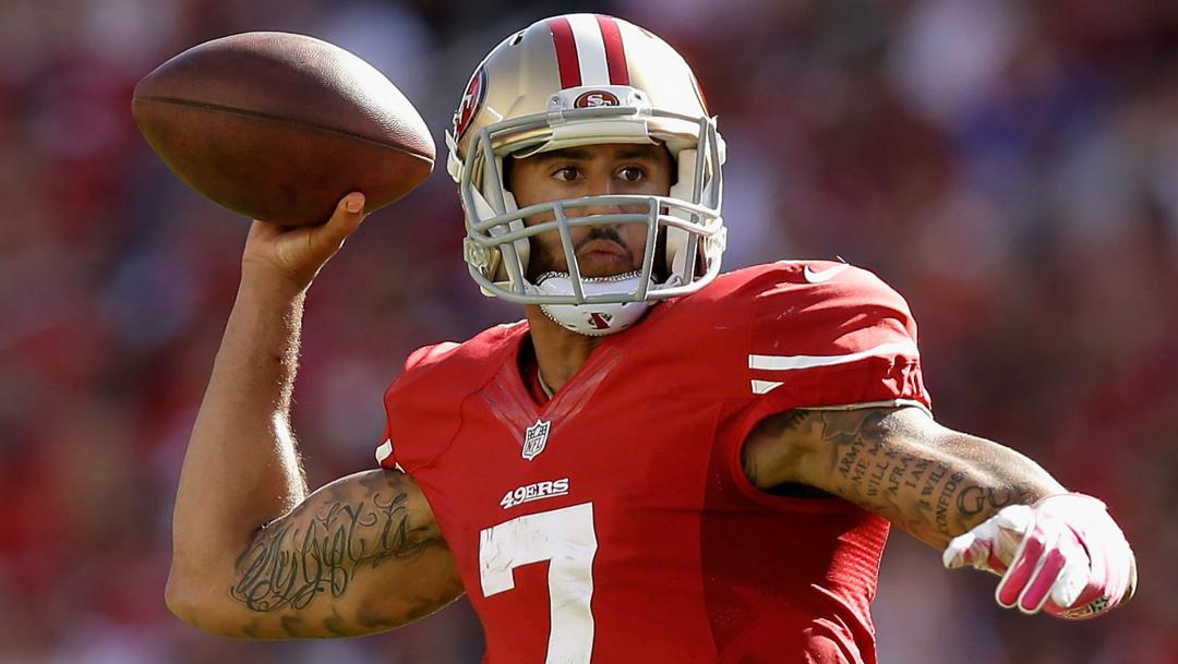 El mariscal de campo, Colin Kaepernick vuelve a la NFL en el videojuego Madden 21, a pesar de no tener equipo