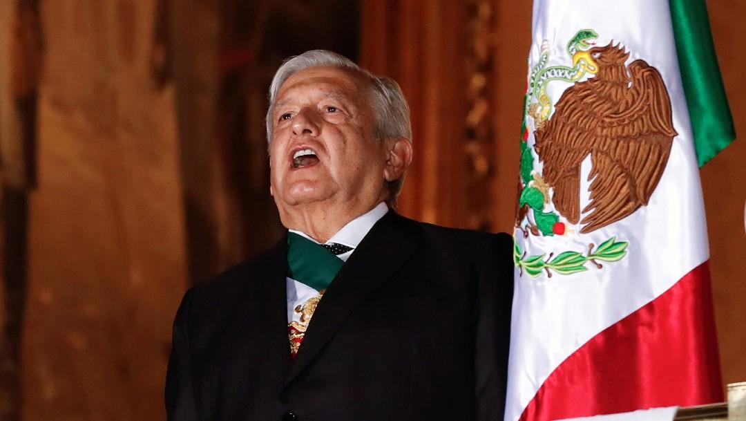 El presidente de México entona el Himno Nacional Mexicano