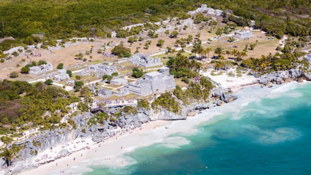 Pirámides Mayas en la costa de Yucatán