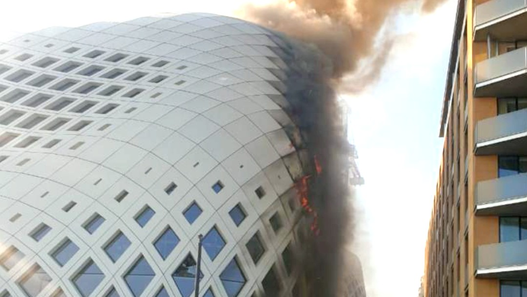 Se registra tercer incendio en una semana en Beirut; arde edificio de Zaha Hadid