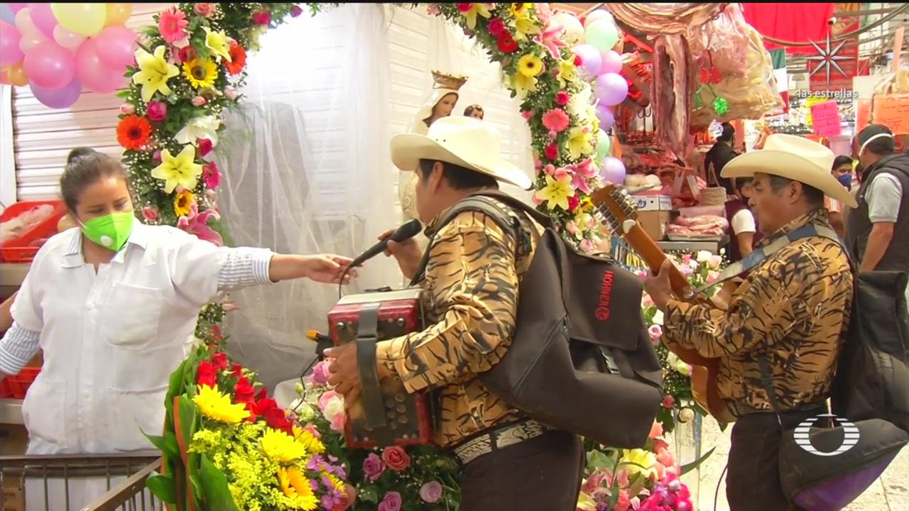 El Mercado de la Merced, de la Ciudad de México, festejó 63 años de su fundación.