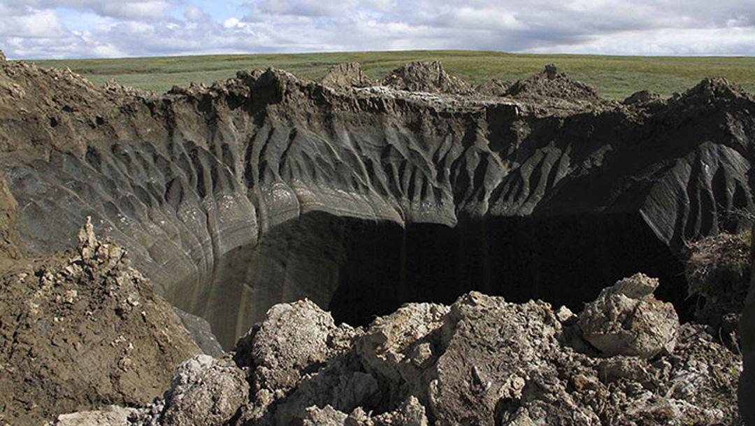 Investigadores descubrieron un enorme cráter en Siberia, Rusia, y lo llaman la nueva puerta del infierno