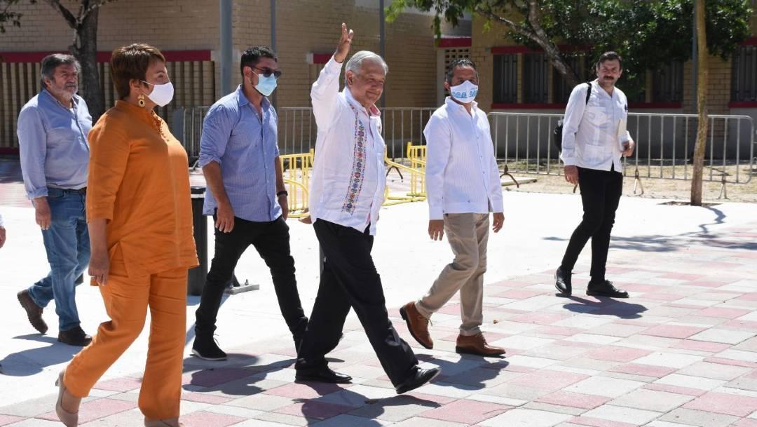 Al cierre de su gira por el sureste, el presidente López Obrador aseguró que la actividad turística de Quintana Roo se recuperará a finales de año