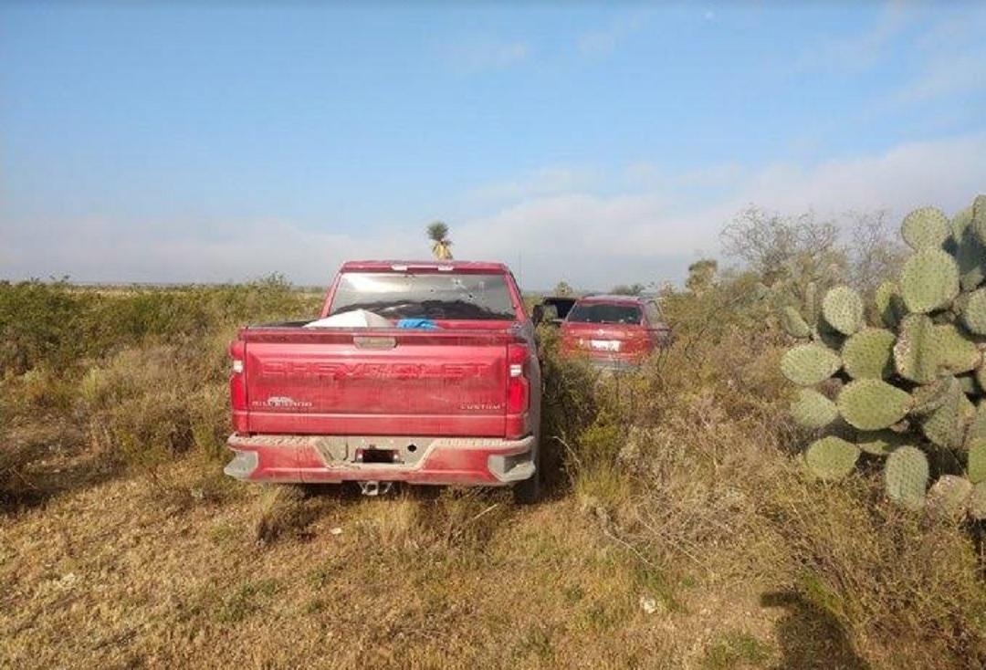Localizan-12-cuerpos-dentro-de-dos-camionetas-en-SLP