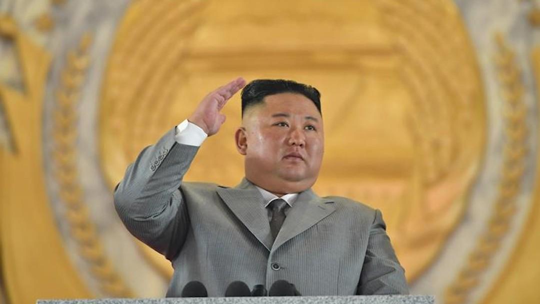 Kim Jong-un asiste al estreno de un espectáculo de gimnasia masiva