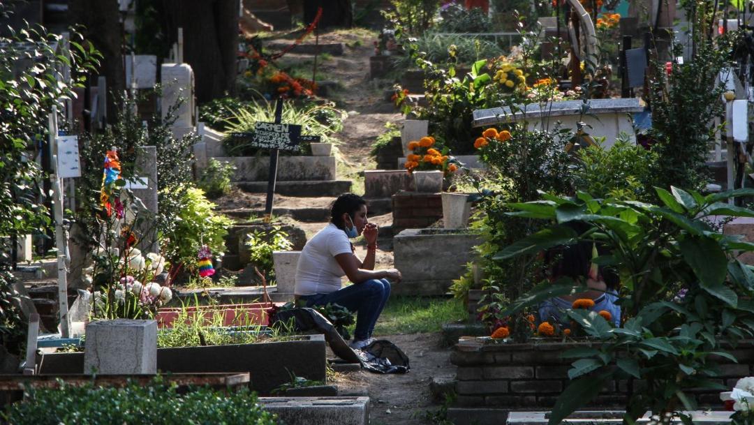 Muertes por COVID19 superan decesos por cáncer en México: Inegi