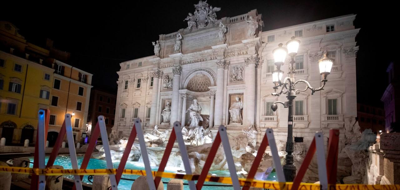 Teatros y cines serán cerrados en Italia por repunte de casos de COVID-19