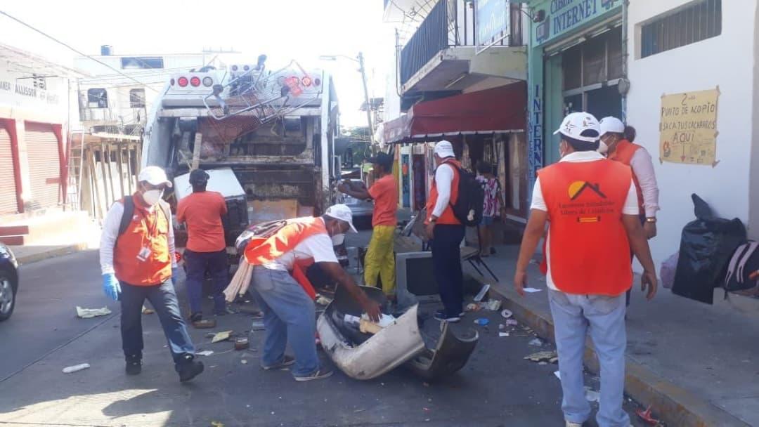 Acapulco embellece y sanitiza sus espacios públicos