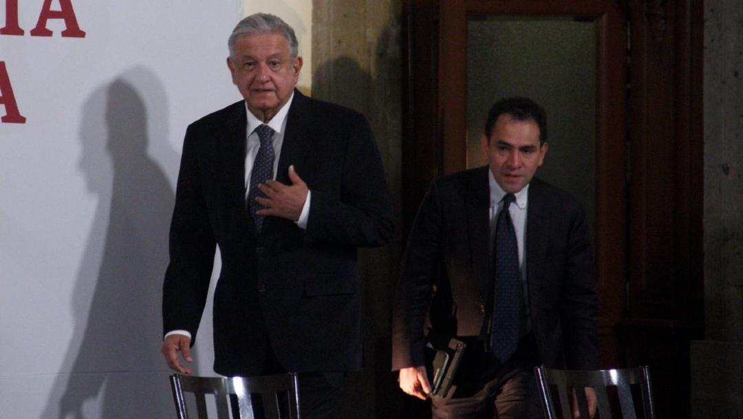 Andrés Manuel López Obrador, presidente de México acompañado de Arturo Herrera, secretario de Hacienda y Crédito público, durante la conferencia matutina