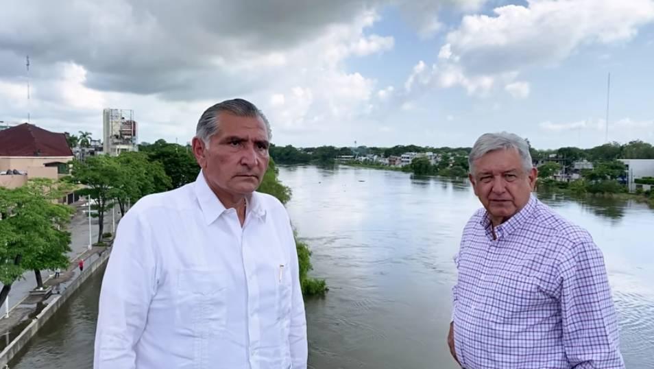 El presidente López Obrador prometió ayuda para los 80 mil damnificados en Tabasco