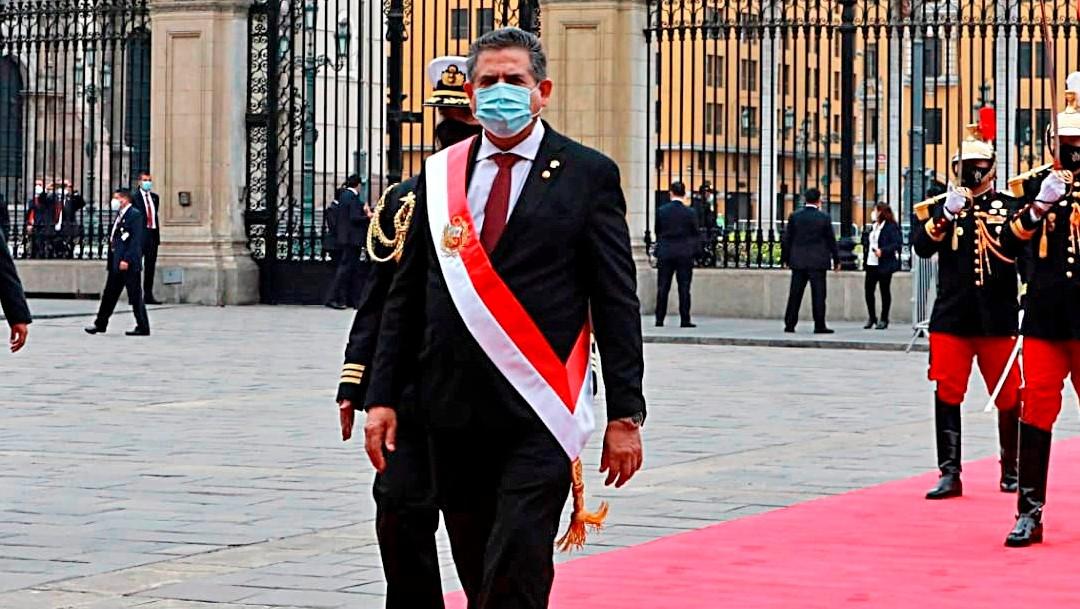manuel merino jura como presidente de peru