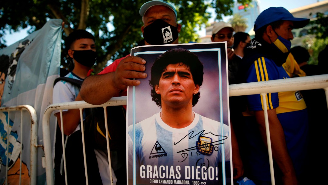 Argentinos despiden a Maradona