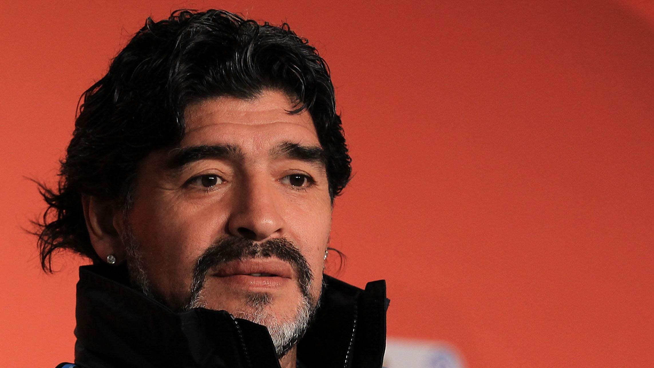 Figuras del futbol mexicano lamentan el fallecimiento de Diego Maradona