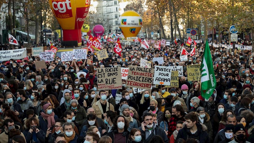 Miles protestan en Francia contra proyecto de ley sobre seguridad