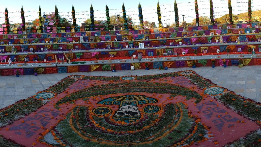 San Miguel de Allende celebra Día de Muertos con sana distancia