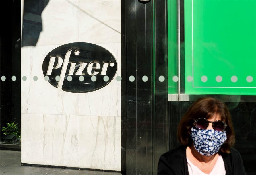 Pfizer-niega-haber-retrasado-anuncio-sobre-su-vacuna-COVID